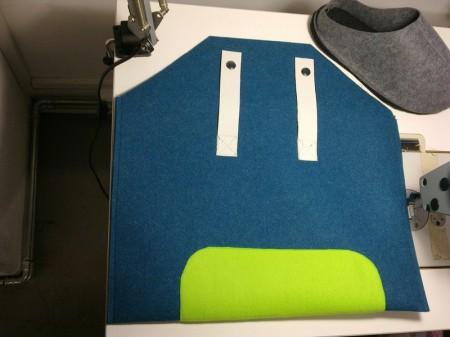 Prototyp Laptophülle aus unserem 2,5mm 100% PES 500gr/m², Reisepantoffel aus Filz 2,0mm 100% PES